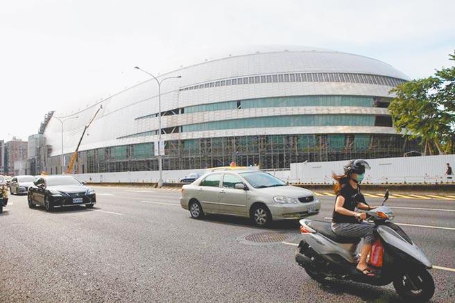 停工多年的大巨蛋復工惹議,若順利將在台北市長柯文哲第二任任內完工。(本報資料照片)