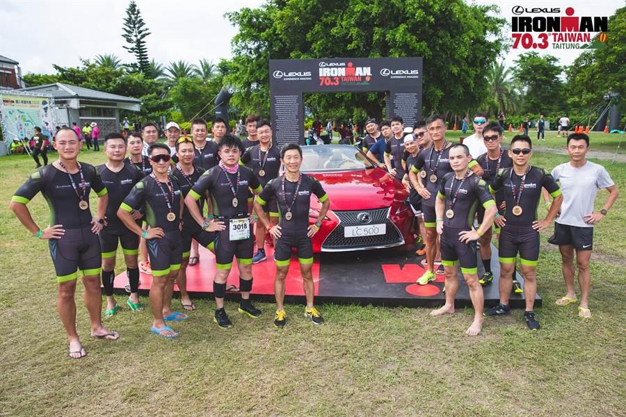 為展現品牌永不妥協精神,本次LEXUS菁英同仁組隊參賽,共派出8隊接力賽,在賽道上與各位鐵人一同Experience Amazing!