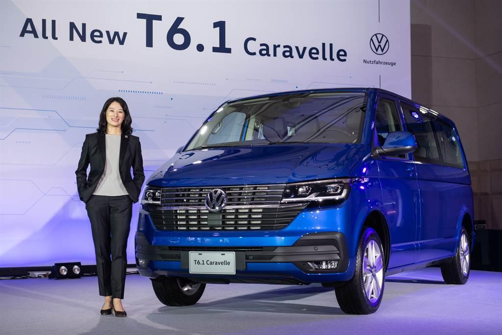 台灣福斯商旅總裁巫詩棻(Julia Wu),以超過12年的豐富歷練和品牌經驗,帶領所有團隊在競爭激烈的商旅車市場續創銷售佳績。