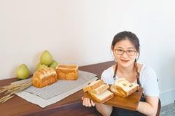 吳珮蓁做麵包玩藝術