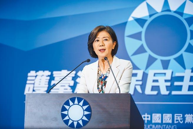國民黨文傳會主委王育敏14日在記者會上宣布,決定不以政黨形式參加本次海峽論壇。(鄧博仁攝)