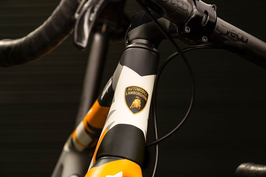 Lamborghini與Cervélo合作推出限量版自行車-R5 Automobili Lamborghini Edition