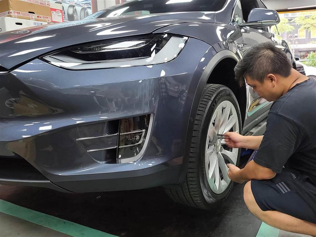 Model X 對換 22 吋 P 版輪圈省錢經驗分享