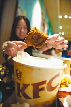 陸雞肉跌價 助速食業降價激買氣