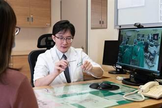 6旬婦人耳朵流膿聽力受損 嘉義長庚耳內視鏡微創手術助改善