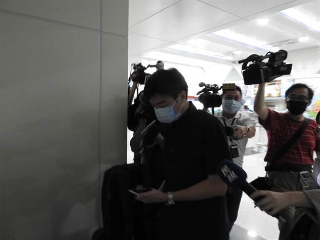 國民黨前大陸事務部副主任陳耀鑫今天現身桃園機場,搭機赴廈門參加海峽論壇。(民眾提供)