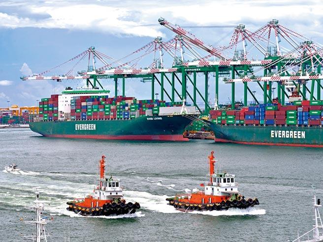 長榮貨櫃船。圖/中央社