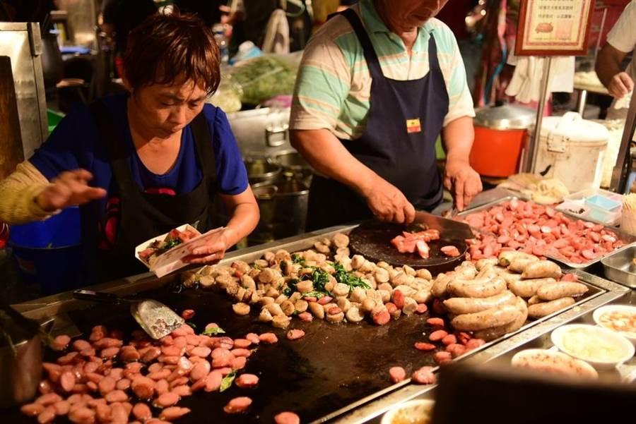 台南府城美食名聞遐邇,但有些小吃卻紅得莫名其妙,即使在地人也不愛。此為示意圖。(達志影像/shutterstock)