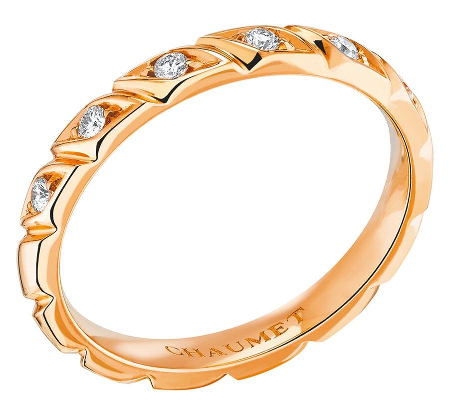CHAUMET的Torsade玫瑰金鑲鑽戒指。(CHAUMET提供)
