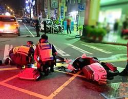 女騎士疑因酒駕躲警 竄逃街巷失控撞小黃送醫