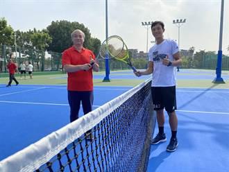 成大智慧網球場啟用 網球名將盧彥勳試打