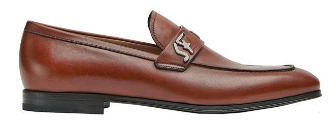 Salvatore Ferragamo RIBEN棕色牛皮皮鞋,2萬6900元。(Salvatore Ferragamo提供)