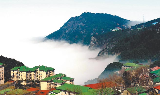 江西廬山呈現一片雲海。(新華社資料照片)