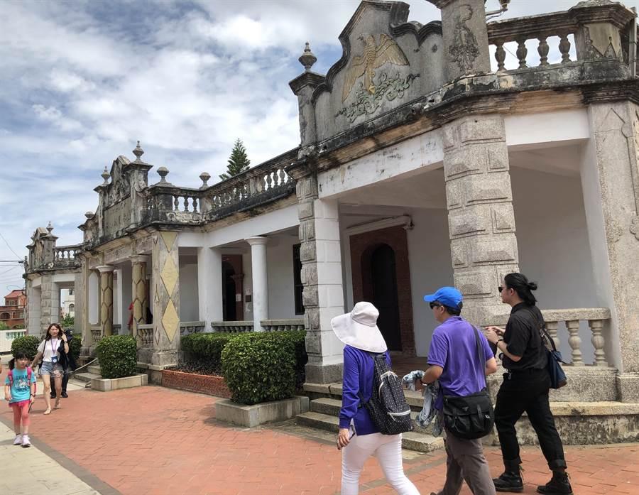 「星夢郵輪─探索夢號」國內跳島遊,為離島金門帶來1萬37人次的遊客和預期的觀光產值。(李金生攝)