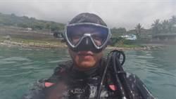 簡至豪潛水初體驗心驚驚 海底撿拾垃圾為環保盡心力