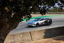 Lucid Air 又一次超前特斯拉!神秘三馬達測試車下賽道,單圈最速比 Model S 更快!