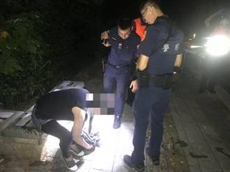 女子半夜埤塘邊散步不慎落水 警方獲報急救援