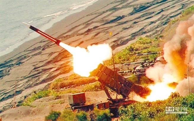 漢光演習期間,國軍試射配備的愛國者飛彈。(圖/本報資料照片)