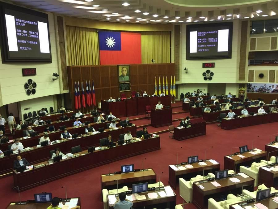 台北市长柯文哲18日赴议会施政报告。(张立勋摄)