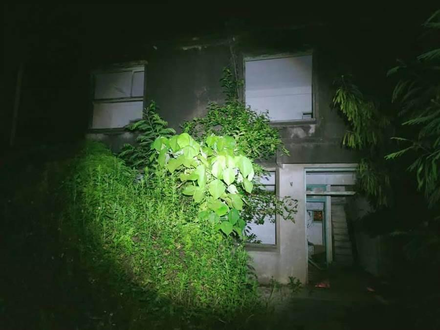 台南宿舍探險直播 開門突流滿地屍水「驚見輕生死者」(圖騙取自/61靈異探險團授權)