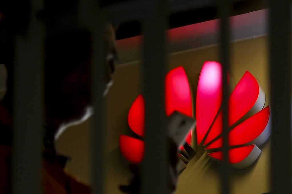 華為禁令衝擊,台PCB廠訂單暴跌、裁員600人。(達志影像)
