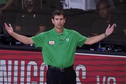 NBA》綠軍主帥深夜密談主將 史馬特也出席