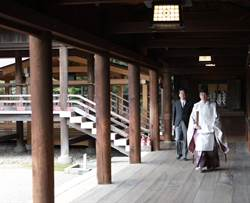 卸任沒顧忌了 安倍等了7年終於訪靖國神社