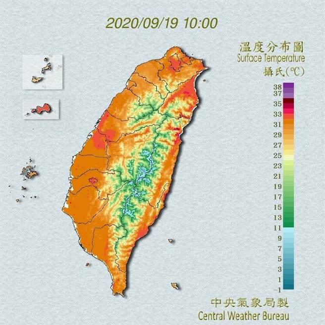 中央氣象局預報指出,今天白天鋒面位於台灣北部海面,北部及東北部地區有局部短暫陣雨。(翻攝自中央氣象局/林良齊台北傳真)