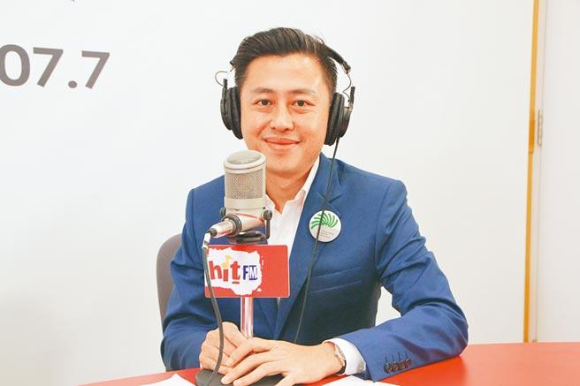 新竹市長林智堅上廣播節目,暢談任期屆滿後動向。(Hit Fm《周玉蔻嗆新聞》製作單位提供/邱立雅竹市傳真)