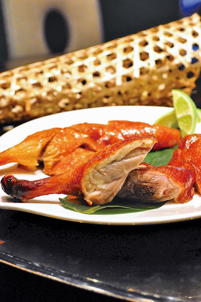 頤宮的人氣招牌料理「先知鴨」。(君品酒店提供)