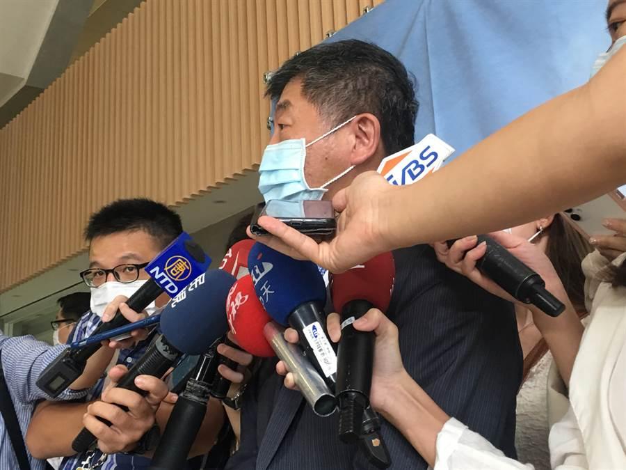衛福部長陳時中表示,旅外國人在國內沒有收入,健保收費等級就低,因此要將海外收入納入保費收取的考量。(林周義攝)