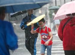雷雨胞狂炸屏東!氣象局發布8縣市大雨特報