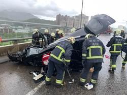 天雨路滑 台64線車道車禍僅剩單線通行