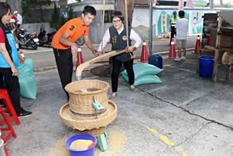 南庄稻香土礱情 體驗國寶級傳統農家土礱碾米