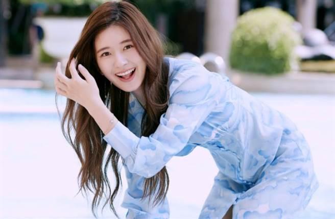 21岁大陆女星赵露思婀娜多姿的身材令人称羡。(图/摘自微博@赵露思工作室官微)