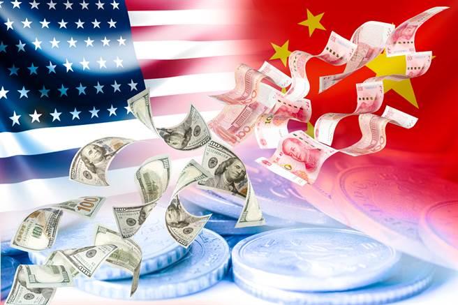 國總統川普在下周一可能對中國大陸出手新招,將大陸列為匯率操縱國,並據此對大陸實施貿易懲罰措施,再加劇美中緊張關係。(圖/Shutterstock)