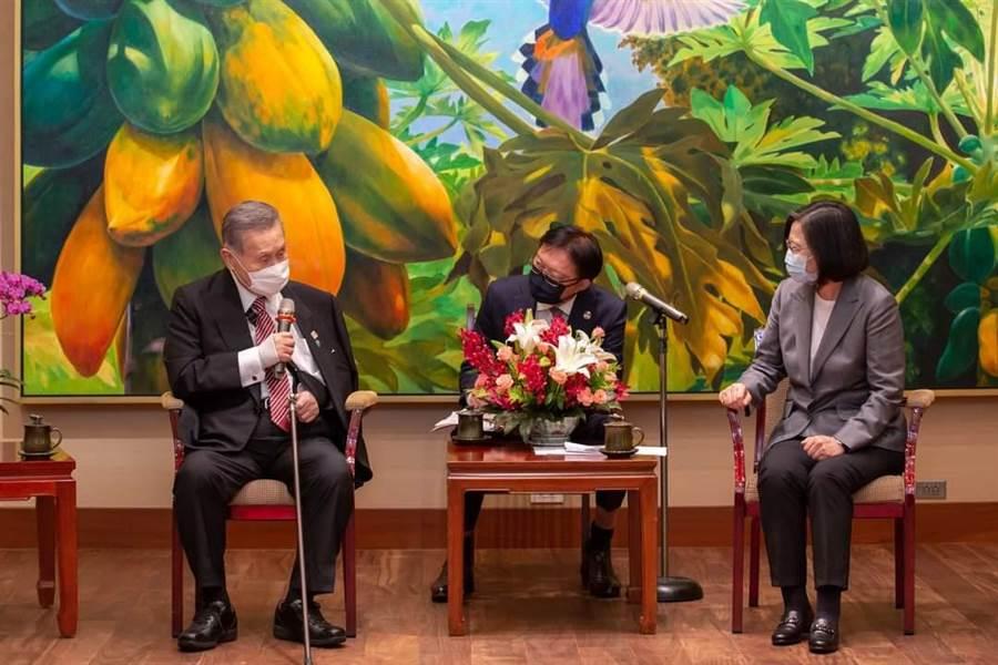 日本前首相森喜朗日前訪台與蔡英文總統會面。(總統府提供)