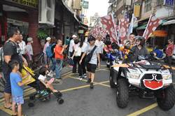 醒吾科大學生傳福氣 「口福祭」林口老街湧人潮