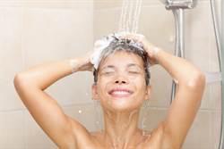 5大錯誤洗髮行為 沒從後腦勺開始洗、毛巾包頭全NG