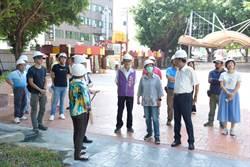 王惠美視察公園改善工程 發現延宕怒罵處長