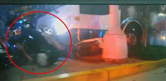 有影》內湖公車衝撞恐怖影片曝光 1人死亡員警360度翻滾癱地