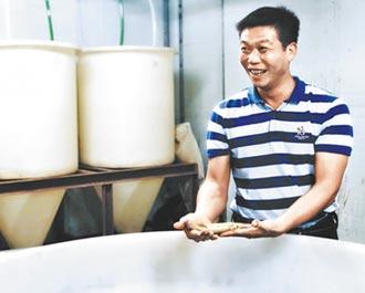 養殖戶魚塘養出小康生活