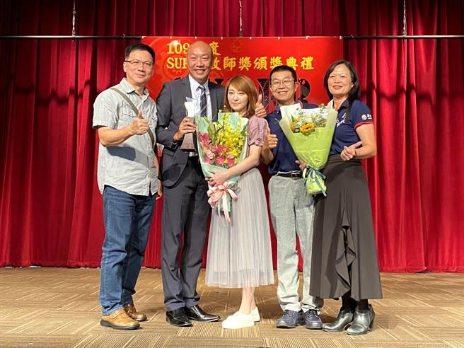 邱得全在19日一舉榮獲全國高中職SUPER教師的首獎。(瑞芳高工提供/吳康瑋新北傳真)