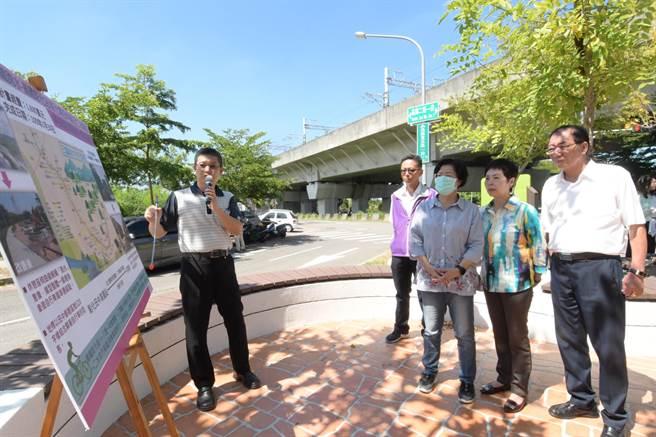 王惠美說,讓高鐵彰化站與彰化地區的各景點串聯,是縣府一直努力的重點,希望能建構全彰完整的自行車觀光廊道。(吳建輝攝)