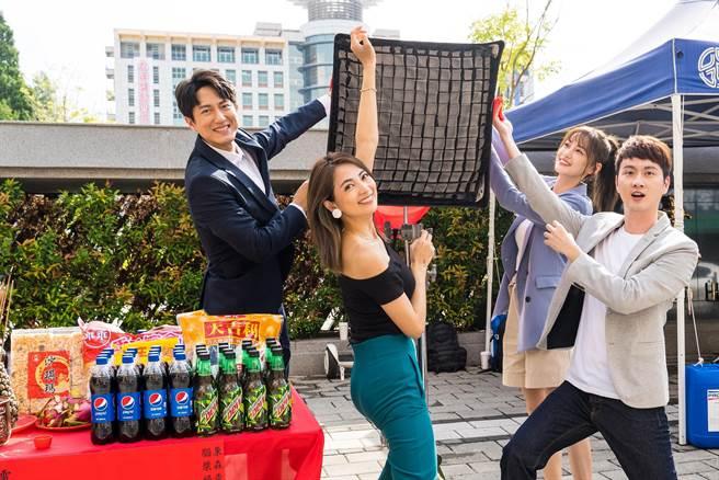 邱昊奇(左起)、阿喜(林育品)、梁以辰、張捷參加《競技青春》開鏡。(東森提供)
