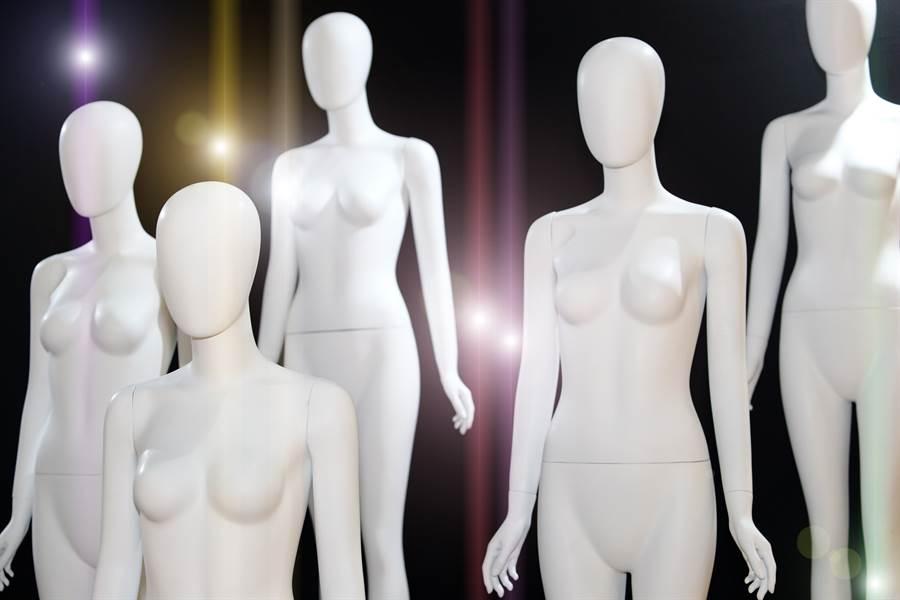 丹麥知名節目《 Ultra Strips Down》,策劃1個特別具有意義的性教育單元,主要找來幾位願意全身赤裸方式出場的成年男女,以供11到13歲的孩童來賓能夠打破沙鍋問到底。(示意圖/達志影像)