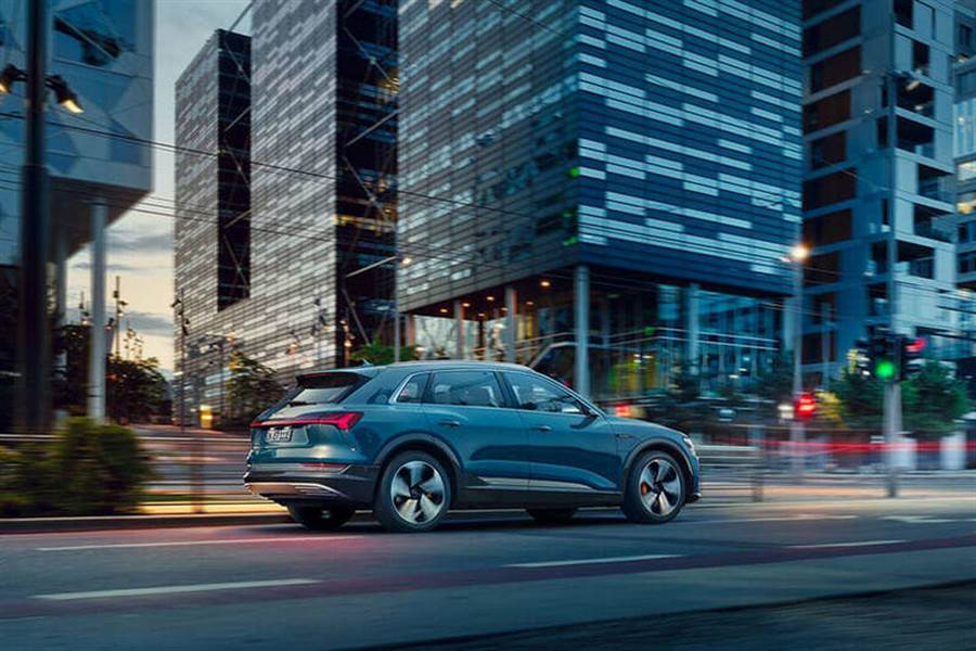 Audi e-tron 與 2020 白晝之夜共創藝術作品10/3 現身南港 呈現未來的生活藝術