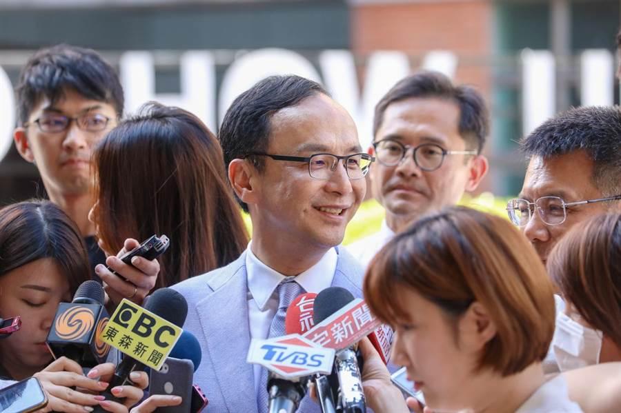 朱立倫受訪表示任何人都可以選台北市長。(朱立倫辦公室提供)