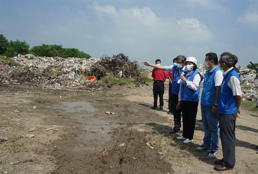 雲林縣連續2起垃圾大火燒出垃圾問題,雲林縣長張麗善(右三)指示縣府團隊展開安全稽查。(張朝欣攝)
