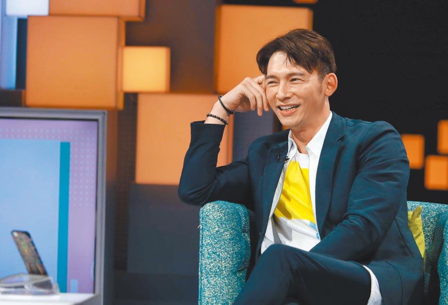 溫昇豪日前錄《36題愛上你》。(公視提供)